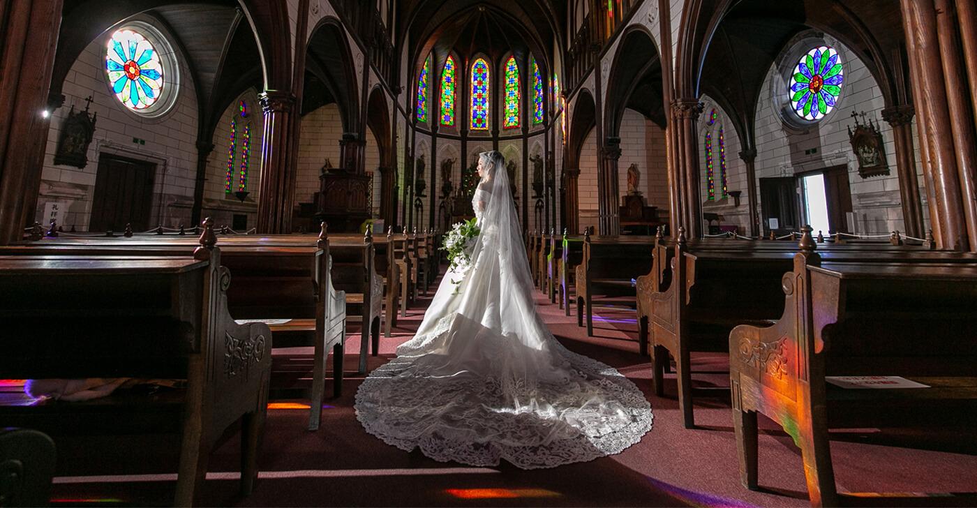 歴史ある荘厳な教会堂で執り行う挙式